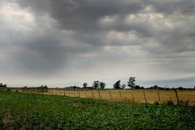 Sobre el área abarcada se desarrollarán lluvias y tormentas, algunas de las cuales podrán ser fuertes