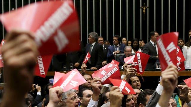 Diputados opositores pidieron en Brasilia el impeachment a Dilma