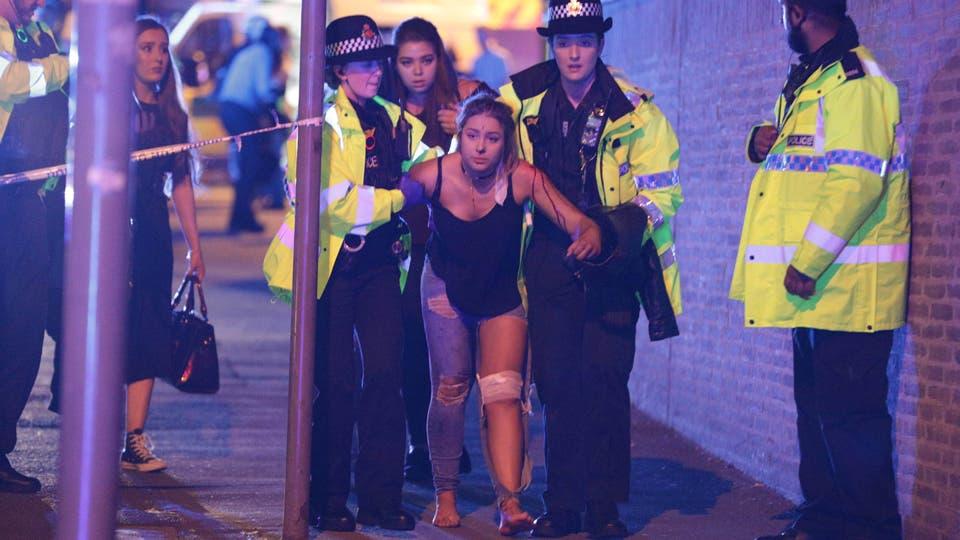 La Policía de Manchester informó que hay muertos y heridos tras las explosiones en el Manchester Arena.