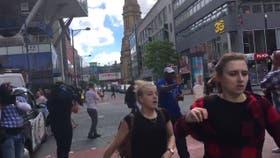 Evacuaron un centro comercial en Manchester luego de escucharse un estallido