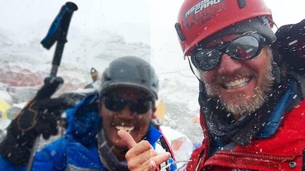 Facundo Arana en el campamento base del Everest