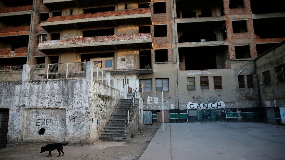 Ese estudio, no habría sido favorable. Por eso, el plan oficial sería ahora derrumbar la deteriorada mole. Foto: LA NACION / Fabián Marelli
