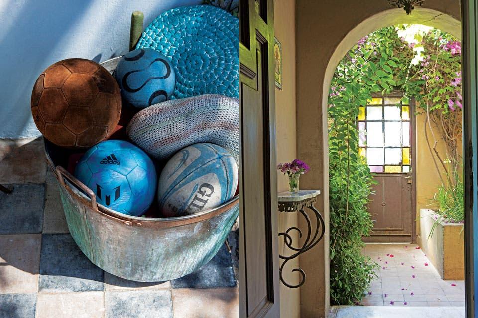 La galería de la casa principal conserva el piso damero original. Al lado, la romántica entrada desde la calle.  Foto:Living /Javier Picerno