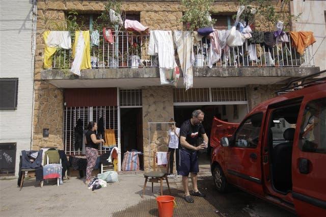 El día después en La Plata: el agua se fue, queda el desamparo