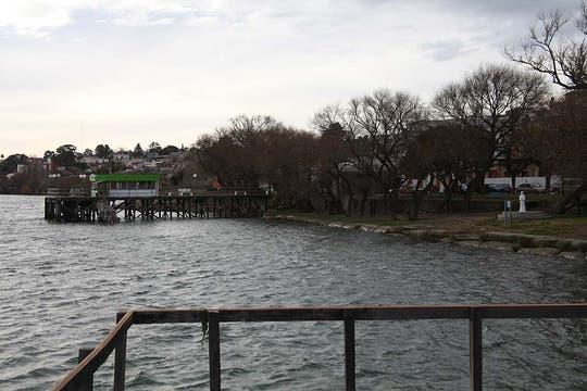 La costa de Patagones, separada por un río de la ciudad de Viedma. Foto: LA NACION / Matías Aimar