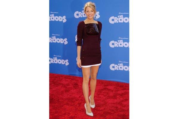 Blake Lively, sexy y a la moda con el color de la temporada. ¿Qué opinas de su vestido?. Foto: Fotos: Corbis