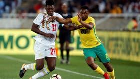Senegal le ganó a Sudáfrica como visitante y se metió en el Mundial