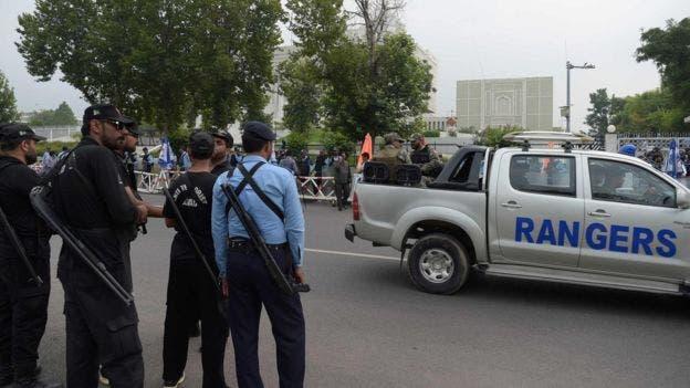 Hubo una alta presencia de cuerpos de seguridad frente a la Corte Suprema de Pakistán, antes del fallo