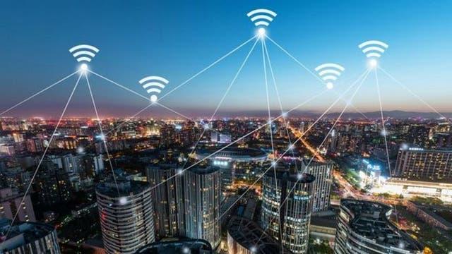 El teléfono consume mucha energía para intentar conectarse a una red saturada o con una señal baja