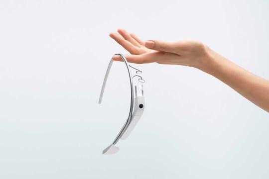 Google publicó más imágenes de su proyecto Glass junto a un video que revela las funciones disponibles en sus anteojos inteligentes. Foto: Gentileza Google