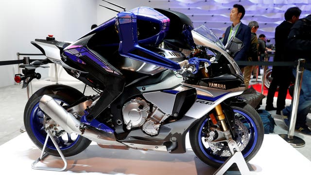 Robot humanoide (MOTOBOT) capaz de manejar una moto