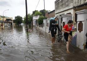 Los vecinos de Luján reclaman obras y denuncian que se inundaron cuatro veces en lo que va del año