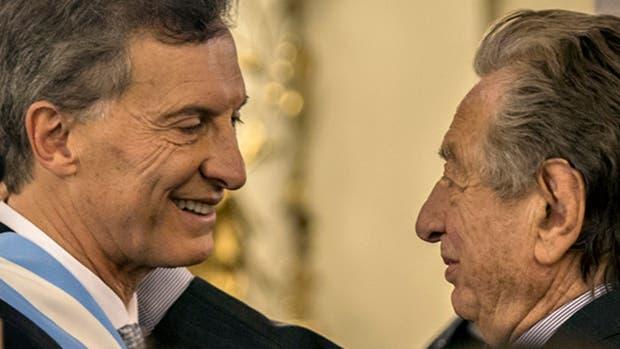 Mauricio y Franco Macri durante la asunción presidencial