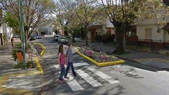 Villa Real: un barrio dividido por un plan para bajar la velocidad de los autos a 30 km/h