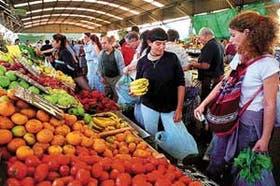 Frutas y verduras resultan mucho más económicas cuando se las adquiere por paquetes de varios kilos