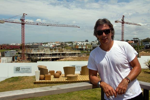 Gravier muestra con orgullo el avance del proyecto inmobiliario en Punta del Este