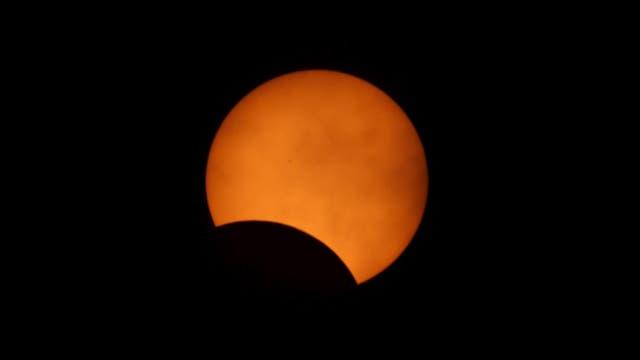 Los científicos temían que las nubes volvieran a frustrar las expectativas. Foto: Reuters