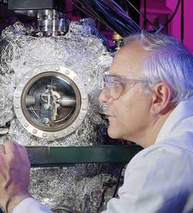 Orlando Auciello desarrolla un diamante nanocristalino