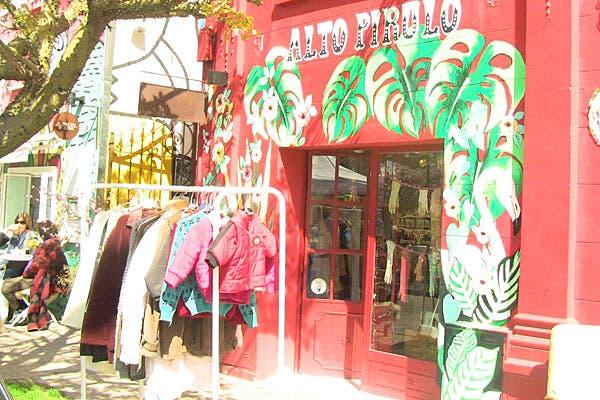 Alto Pirulo tiene ropa vintage para todas las edades. Foto: Cecilia Wall