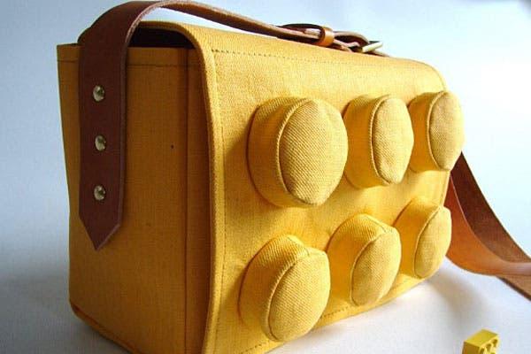 Bolso para guardar de todo, tipo bloque de lego. Foto: Nopuedocreer.com