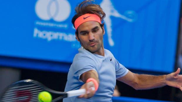 Federer perdió ante Zverev, pero tuvo un buen gesto al ayudar a su rival a ganar un punto
