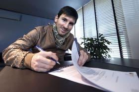 Leo, al rubricar su nuevo contrato