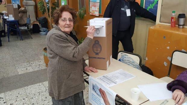 Luisa tiene 100 a?os y cuatro meses y hoy fue a votar a una escuela de Caballito como lo hace desde 1951