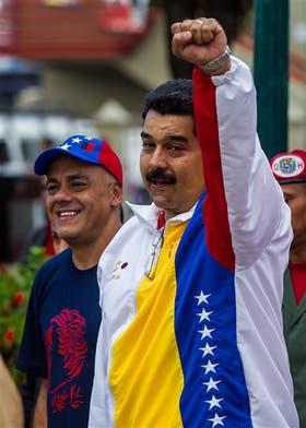 Maduro y Capriles votaron en Caracas, en una elección crucial para ambos