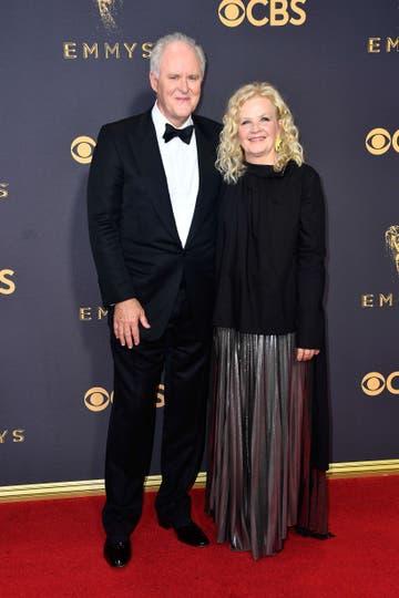 John Lithgow y su esposa. Foto: AFP