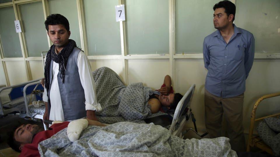 Los hospitales están colapsados de heridos. Foto: AP