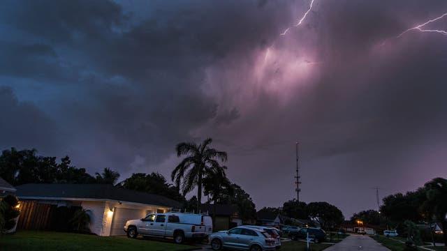 La poderosa tormenta eléctrica descargó su furia sobre Florida