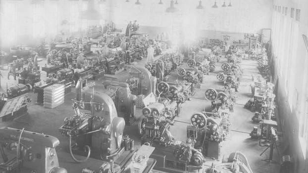 La Fabrica Argentina de Aviones en Córdoba. Fabricación de motores en 1929. Foto: Archivo