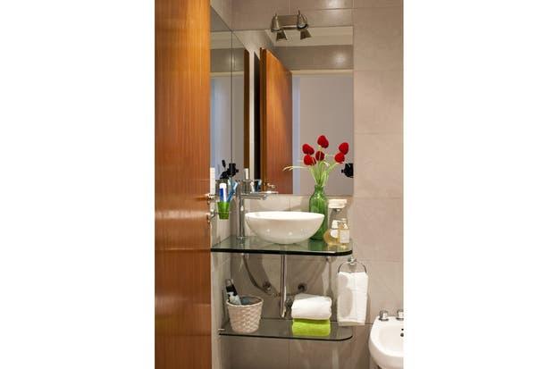 Bachas Para Baño En El Tigre:el lavamanos por una mesada y un estante de vidrio con sostén de