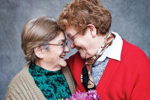 Ramona Arévalo y Norma Castillo, la primera pareja de mujeres en casarse en nuestro país. Tienen 69 años