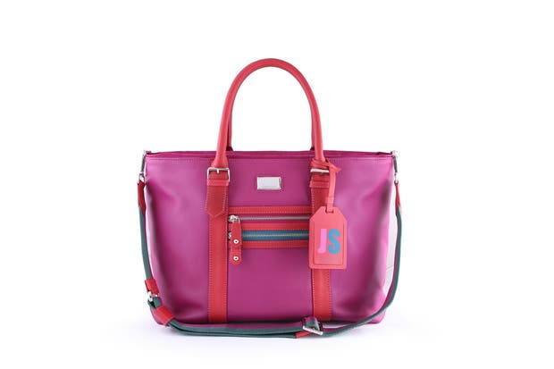 A puro color, con tira larga (Jackie Smith, $3990).  Foto:  Mass PR