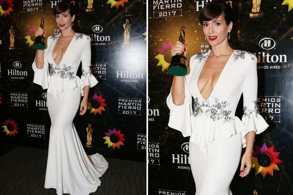 Vestida por Santiago Artemis, Griselada Siciliani impactó con este diseño con escote, bordados y peplum.