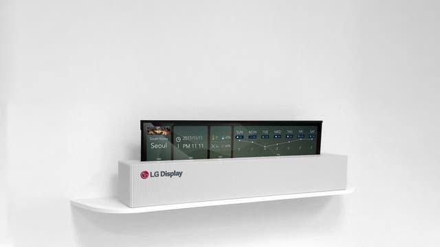 El panel que se enrolla de LG Display en su versión compacta; puede iluminar parte de su pantalla aún en este modo
