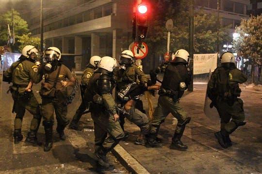 Al menos 22 personas han sido detenidas y otras 24 han resultado heridas en los enfrentamientos. Foto: EFE