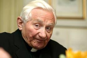 Según Georg Ratzinger, el Papa tiene cada vez más dificultades para andar