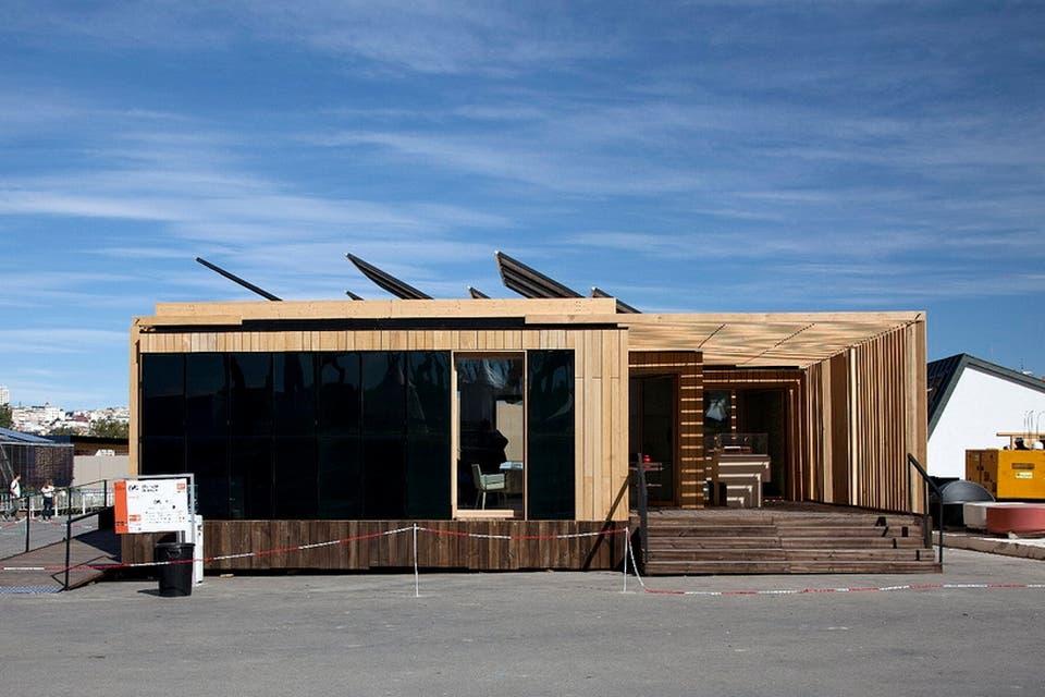Diseñan una casa que produce cuatro veces más energía que la que consume