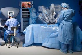 El robot Da Vinci es el aparato para cirugías mas avanzado del mundo