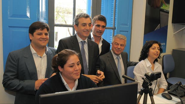 Florencio randazzo anunci obras para que el tren mitre for Ministerio del interior y transporte de la nacion