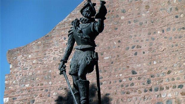 Monumento en homenaje a Luis Jerónimo de Cabrera, fundador de Córdoba