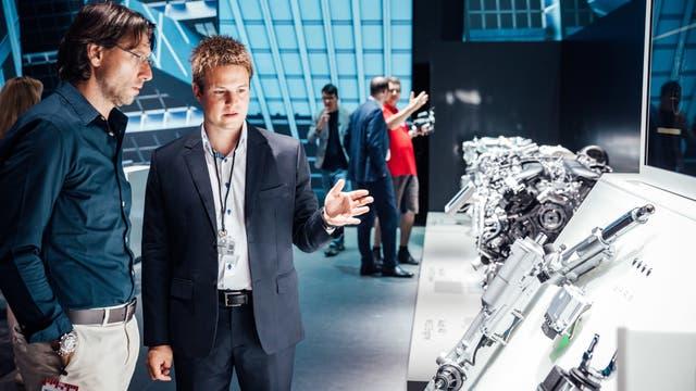 Especialistas de Audi mostraron las piezas y explicaron los desarrollos de los productos