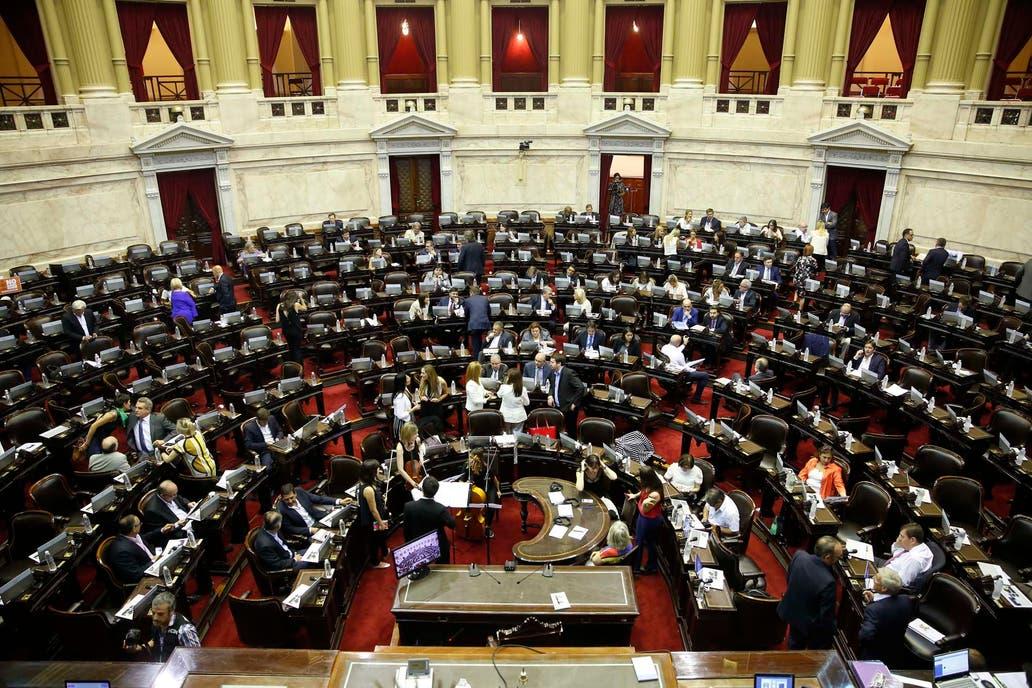 Cambiemos dejó sin quórum la sesión para debatir el DNU de Macri