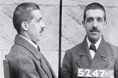 After several weeks of investigation, Ponzi admitted that he could not pay off his debts and was sentenced to jail