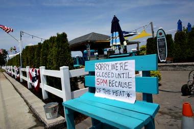 Locales cerrados por el intenso calor en Union Beach, New Jersey