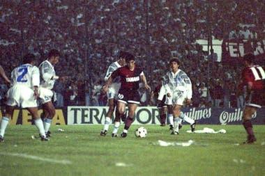 Maradona frente al Emelec, la noche que explotó el Coloso