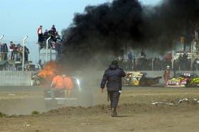 Pánico al incendiarse el auto de Robbiani; no hubo heridos