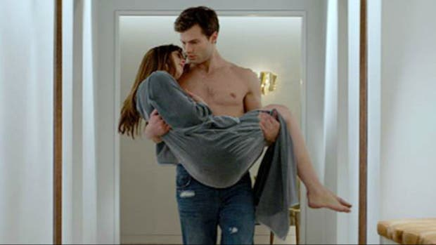 Jamie Dornan y Dakota Johnson en 50 sombras de Grey